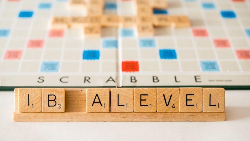Học sinh có thể chọn lựa học IB hoặc ALevels