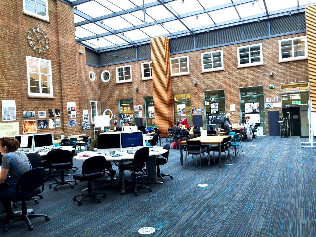 Thư viện đại học Kingston University