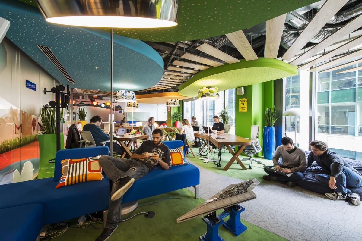Google Campus Dublin - Google Docks - Tech Stop - Floor Identity: Appiness - Foto Peter Wurmli - © Camenzind Evolution
