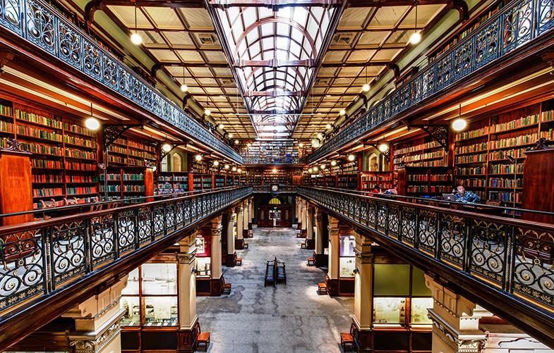 Thư viện trường đại học Manchester - 1 trong 3 thư viện lớn nhất Vương Quốc Anh